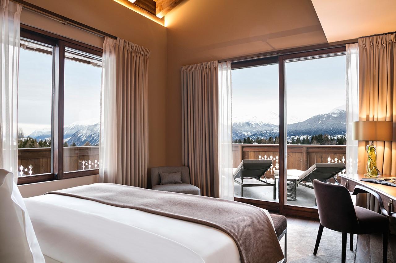 H. Guarda Golf - Suite Apartment Master Bedroom 02